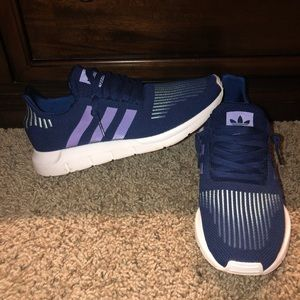 Men's Adidas Swift Run Shoes (Size 10)